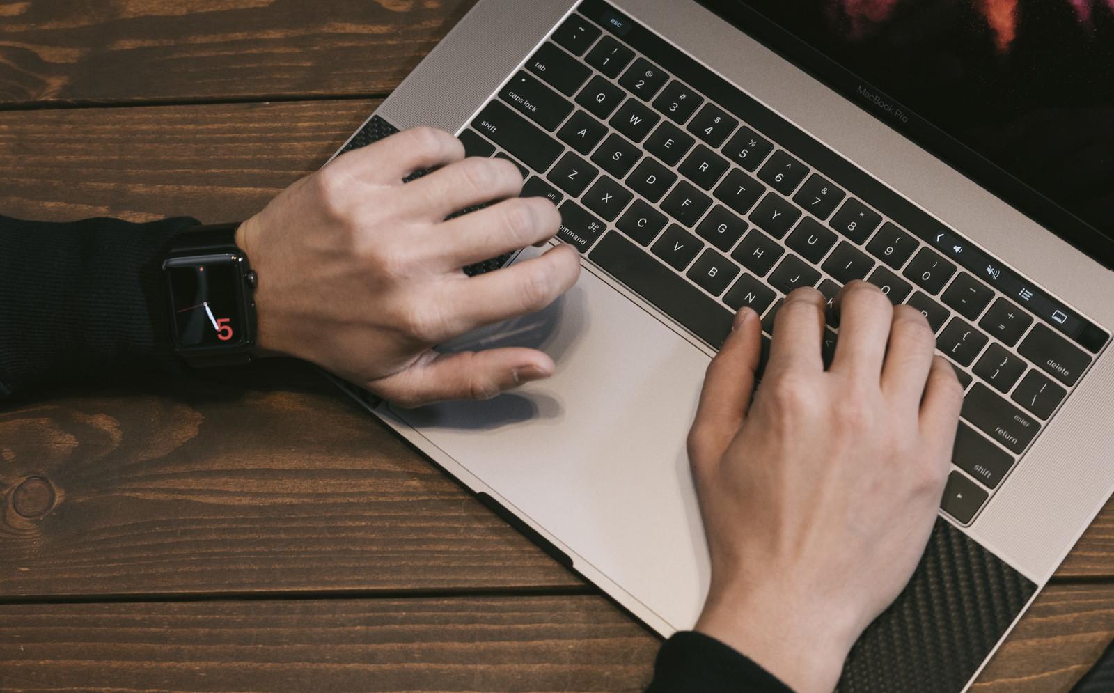 ブログ用ノートパソコンならコレ!!安価で超小型なのに高スペック!